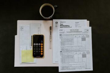 How Do Online Payroll Services Benefit Small Businesses?